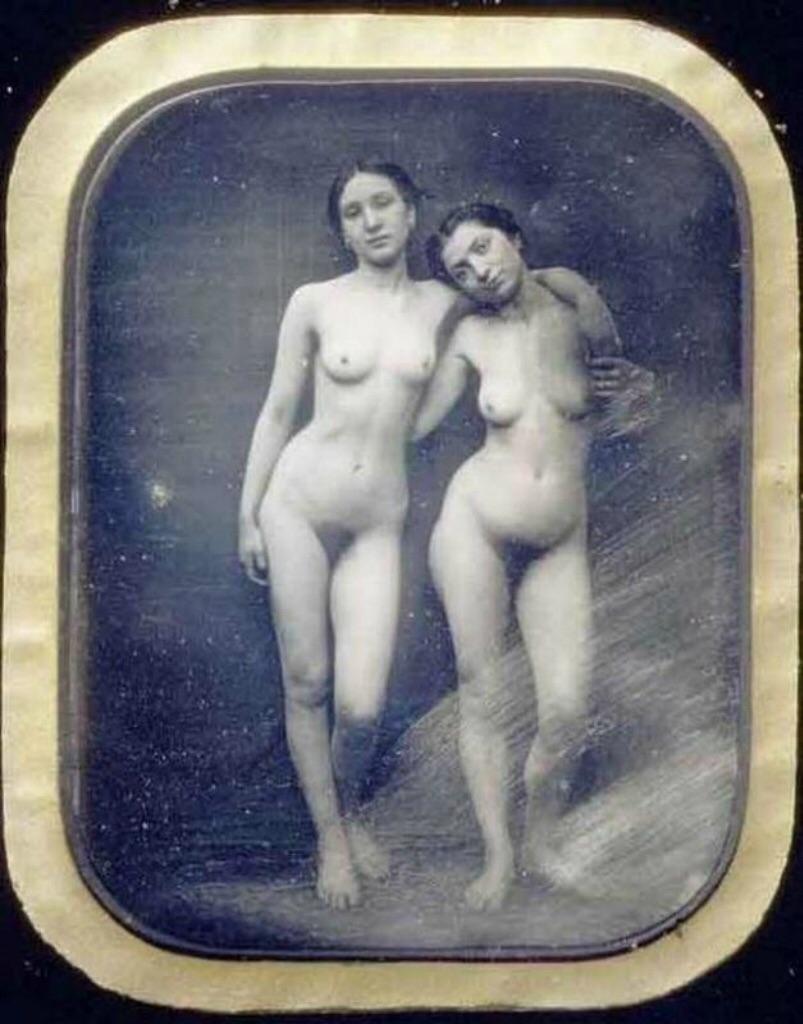 Первый эротичный снимок