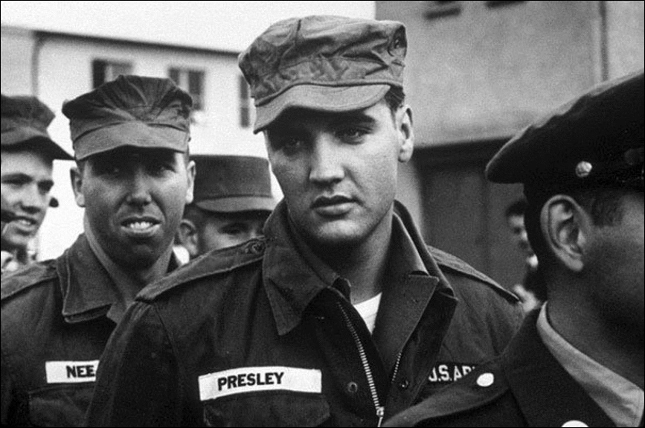 elvis-presley-served-in-the-us-army–1958