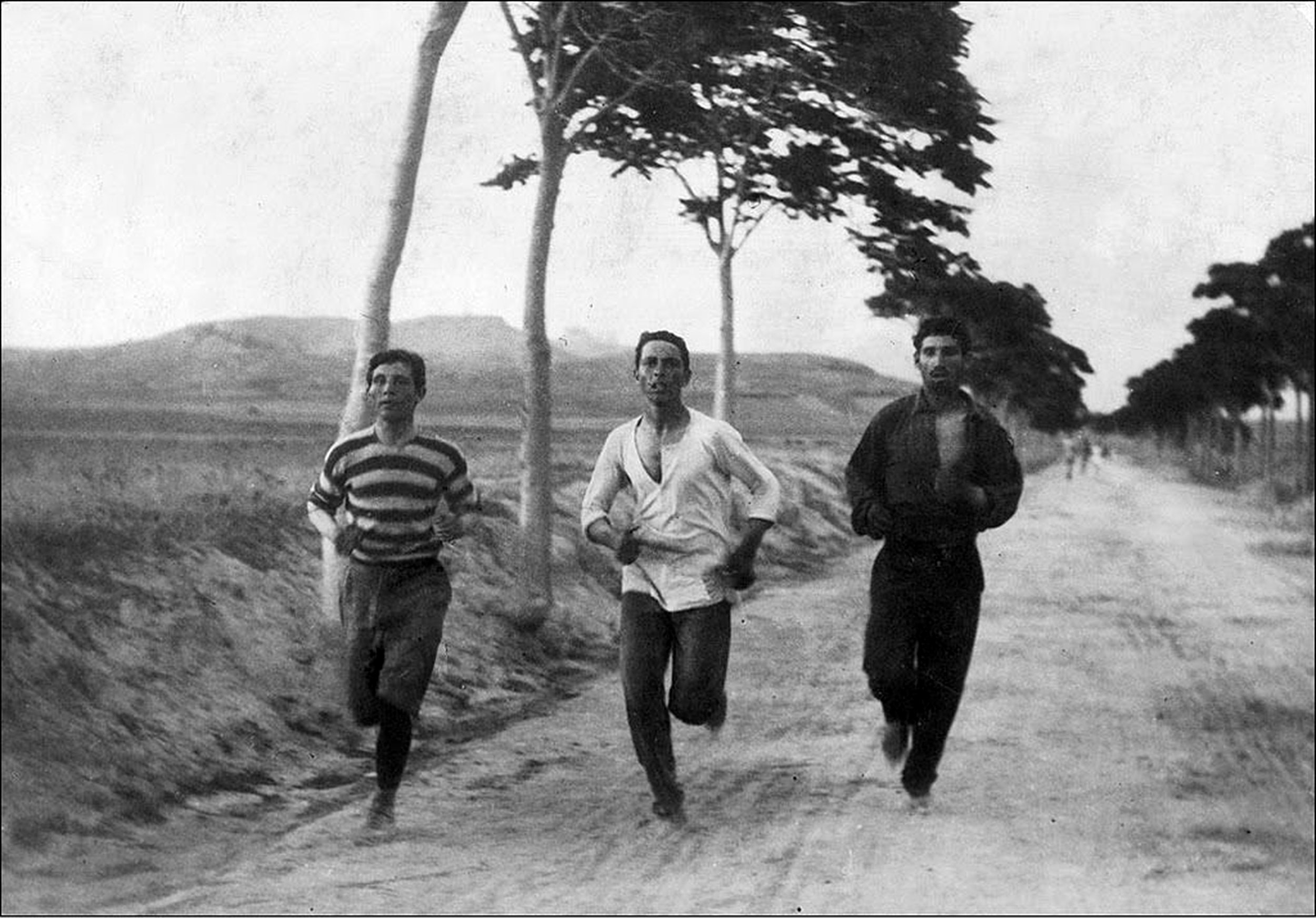 marathon-runners-at-the-first-modern-age-olympics-in-athens-1896