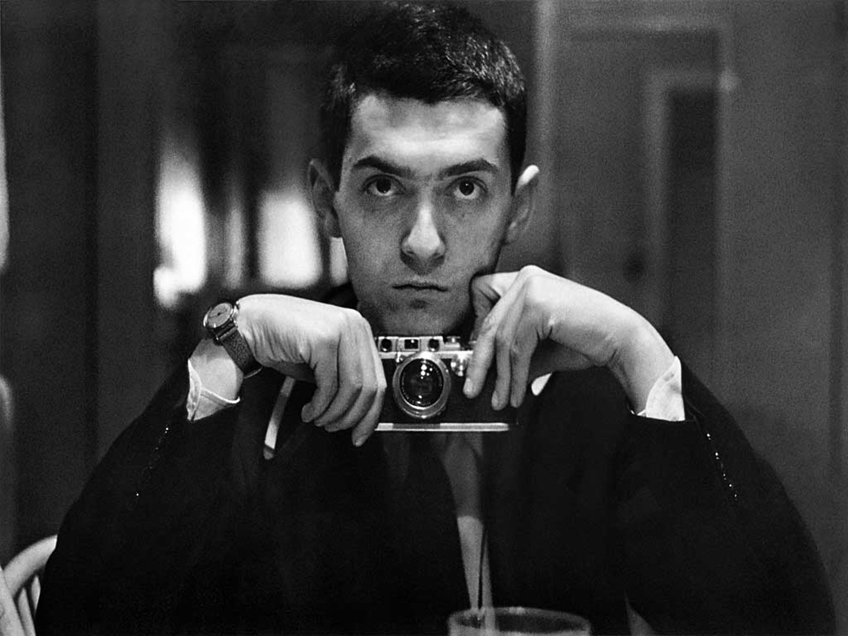 stanley-kubrick-self-portrait-chicago-1949