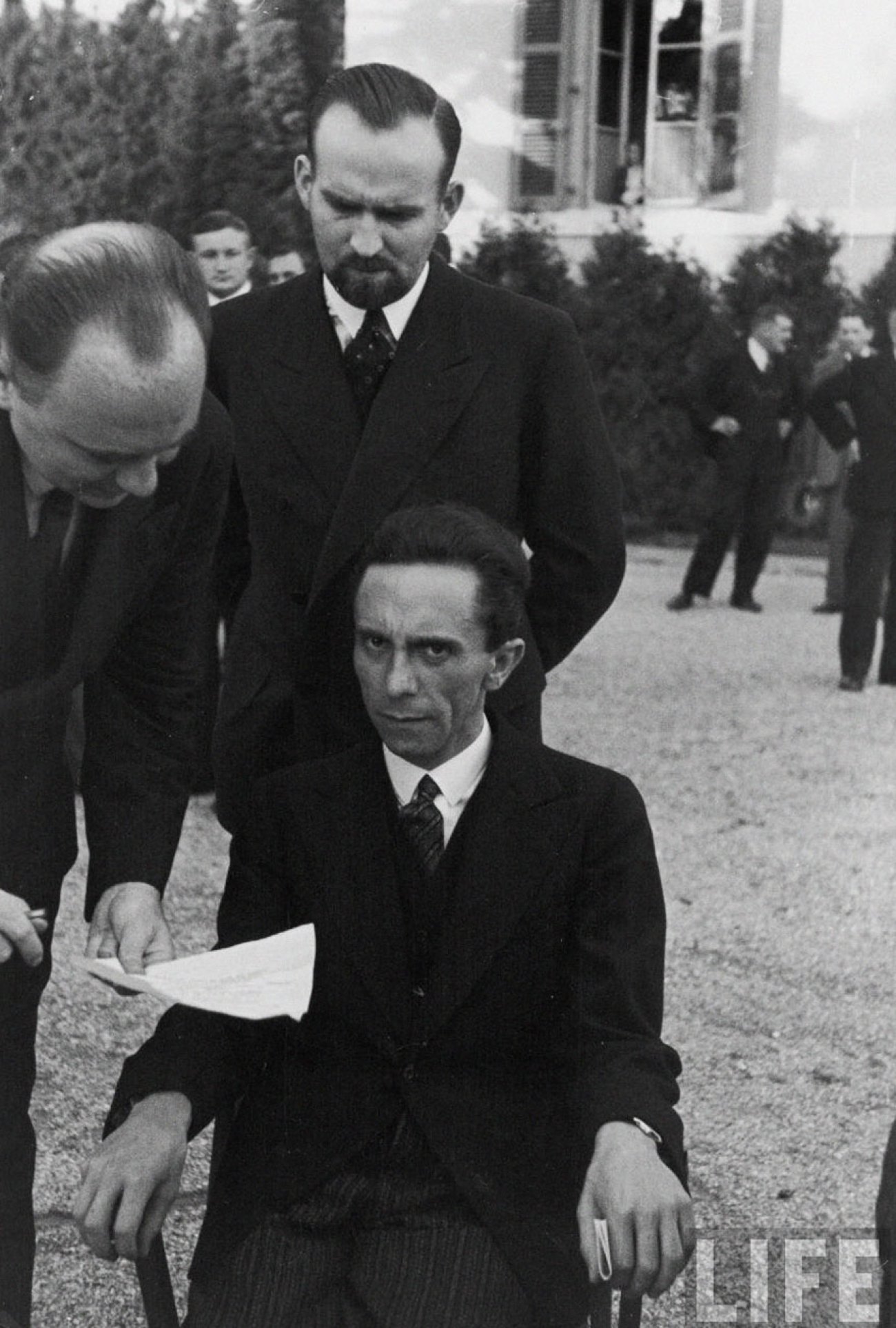 eyes-of-hate-a-photograph-of-goebbels-after-he-finds-out-his-photographer-is-jewish