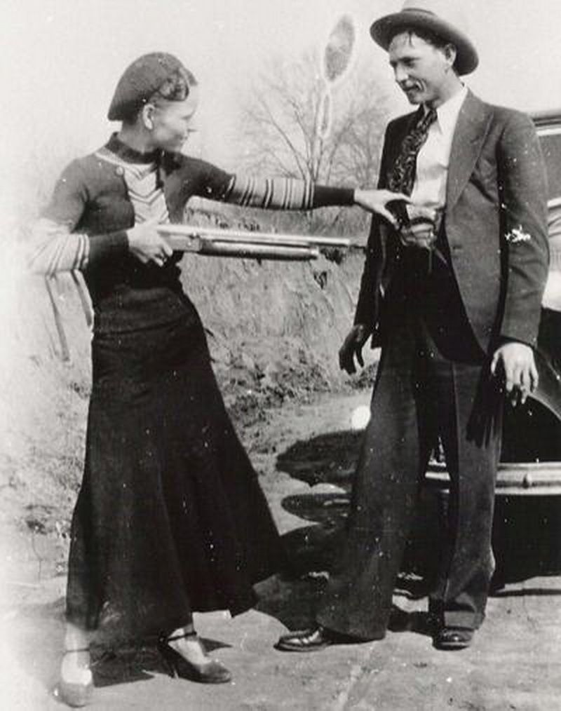 portrait-of-bonnie-and-clyde-1933