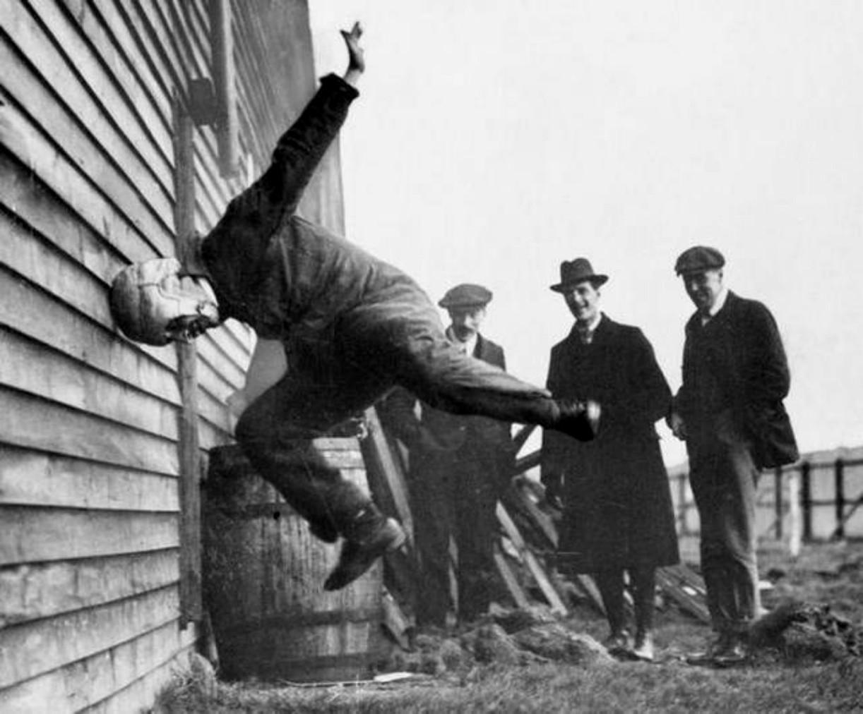 testing-football-helmets-1912