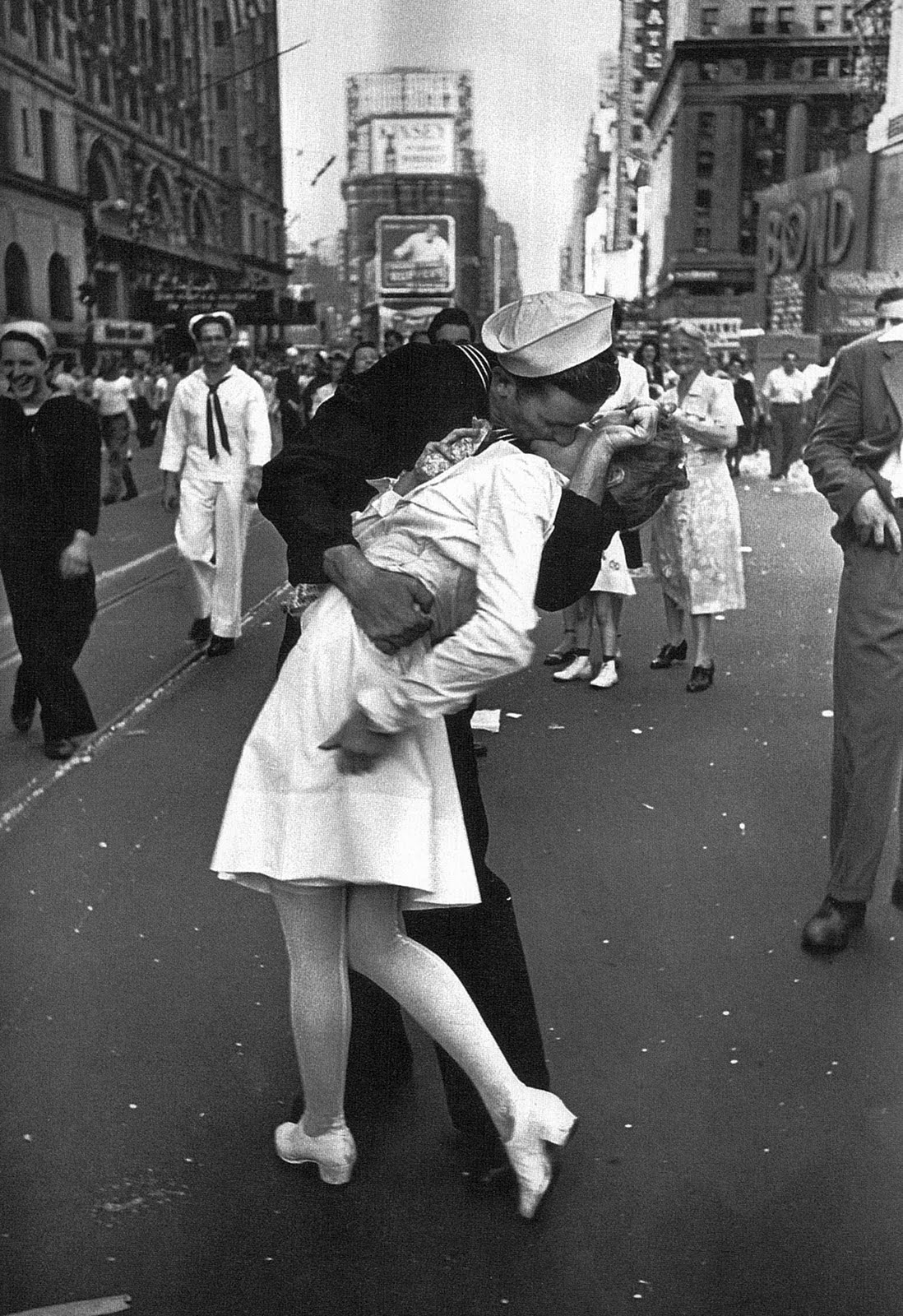 The Kiss. Photo by Alfred Eisenstaedt, 1945