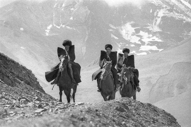 horsemen-dagestan-yuri-abramochkin-1968