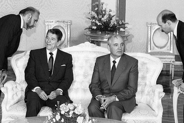mikhail-gorbachev-and-ronald-reagan-in-the-kremlin-in-may-1988