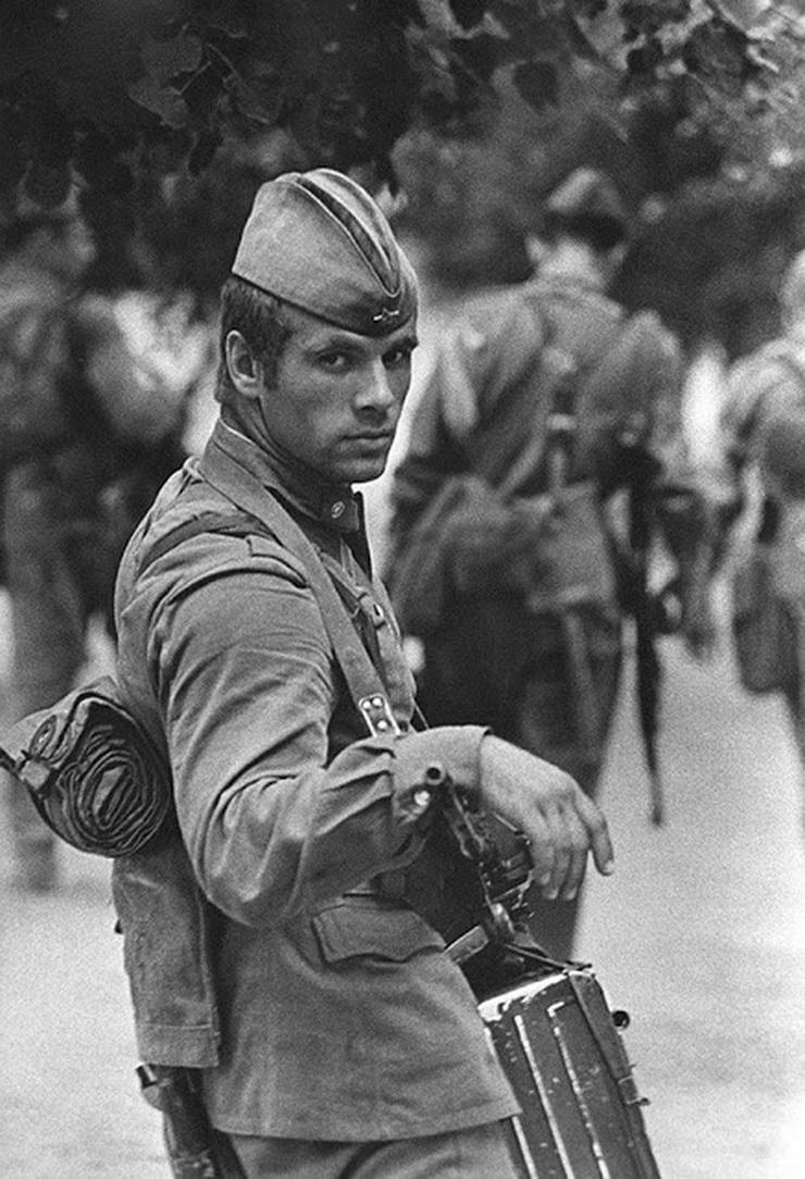 soldier-by-vladimir-vyatkin-ussr-1973